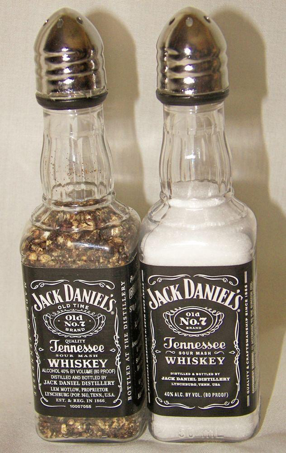 jack daniels salt and pepper shakers